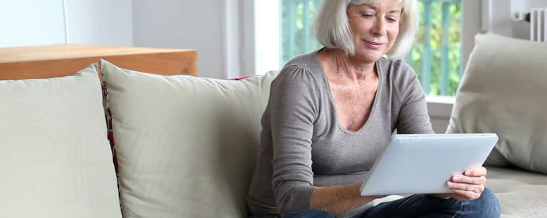 mother in law shopping for engagement ring online