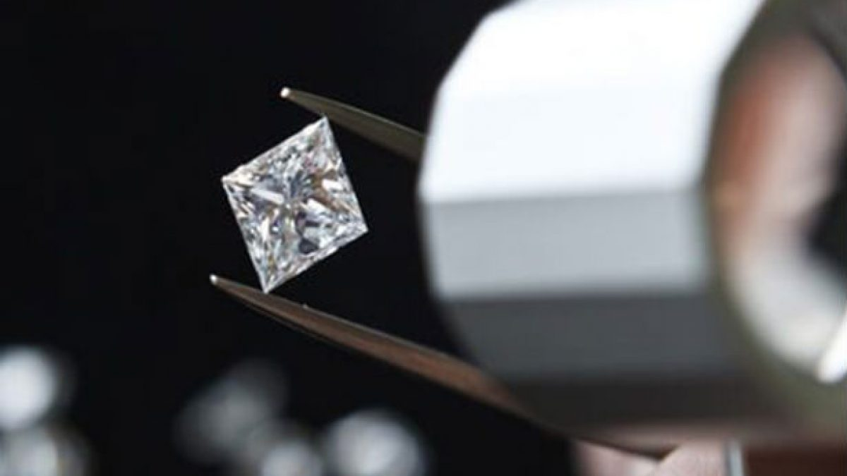Here S Which Diamond Clarity Is Best Overall And If You Re On A Budget