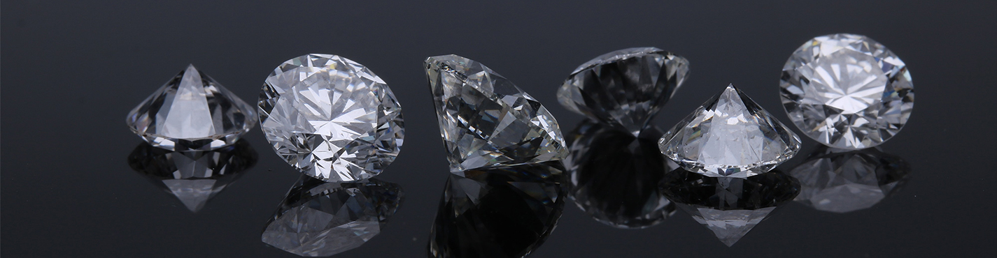 Six white loose lab diamonds