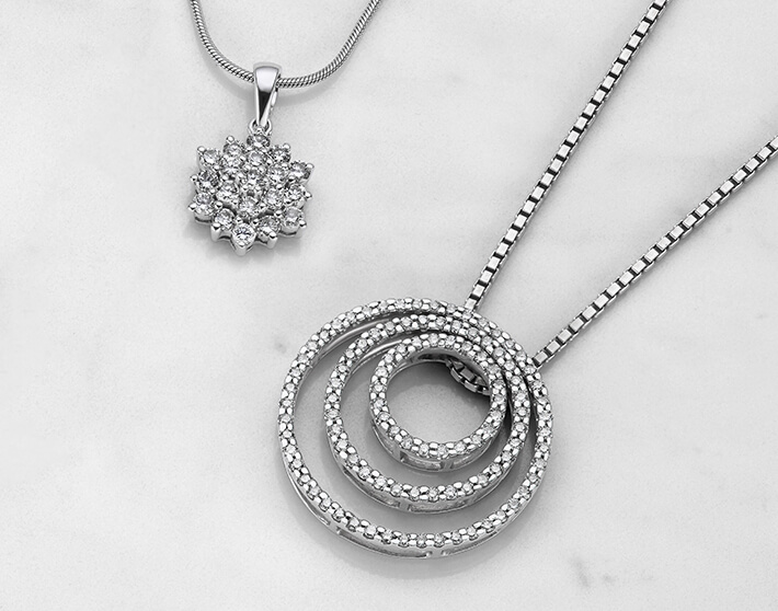 Lab Grown And Natural Diamond Necklaces